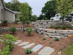 Delta Ledge Stone Outcropping Retaining Wall